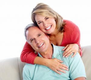 Sorridi con protesi fissa su impianti dentali